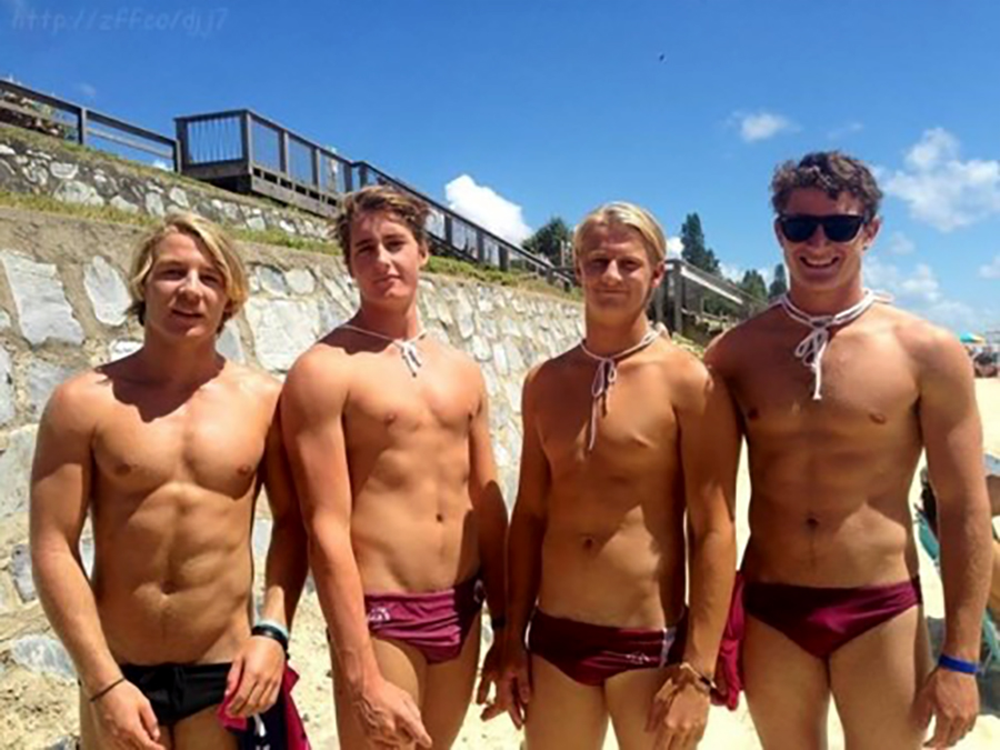 Click for more speedo photos.